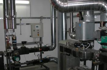 Impianti meccanici in opificio industriale